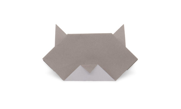traditional origami cat face